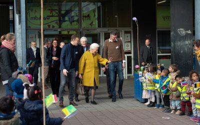 Bezoek van H.M. Koningin Paola aan de stedelijke basisschool « De Wereldreiziger » in Antwerpen